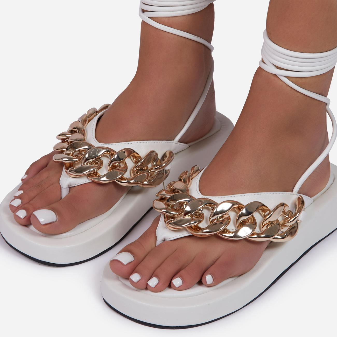 Hidden-Gems Chain Thong Detail Lace Up Platform Gladiator Sandal In White Faux Leather Image 3