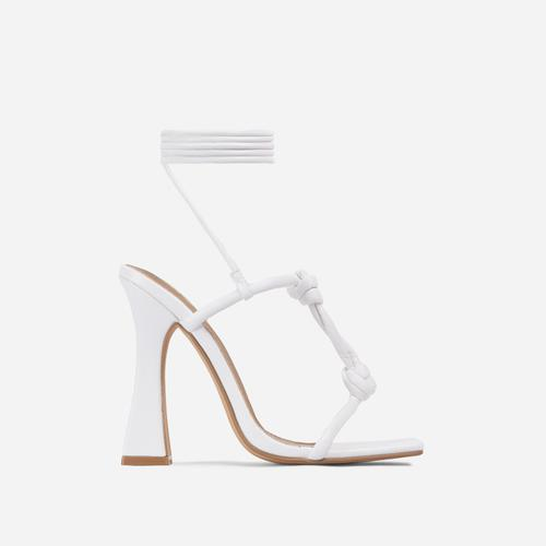 Set-Free Knotted Detail Lace Square Toe Flared Block Heel In White Faux Leather