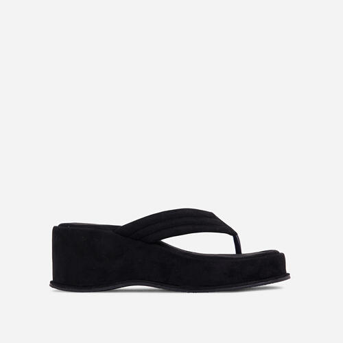 Flex Thong Strap Flatform Sandal In Black Faux Suede