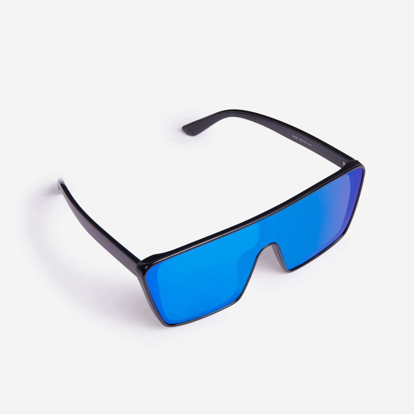Sporty Oversized Visor Sunglasses In Black