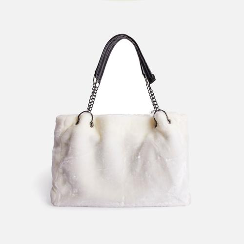 Jamie Oversized Bag In White Faux Fur
