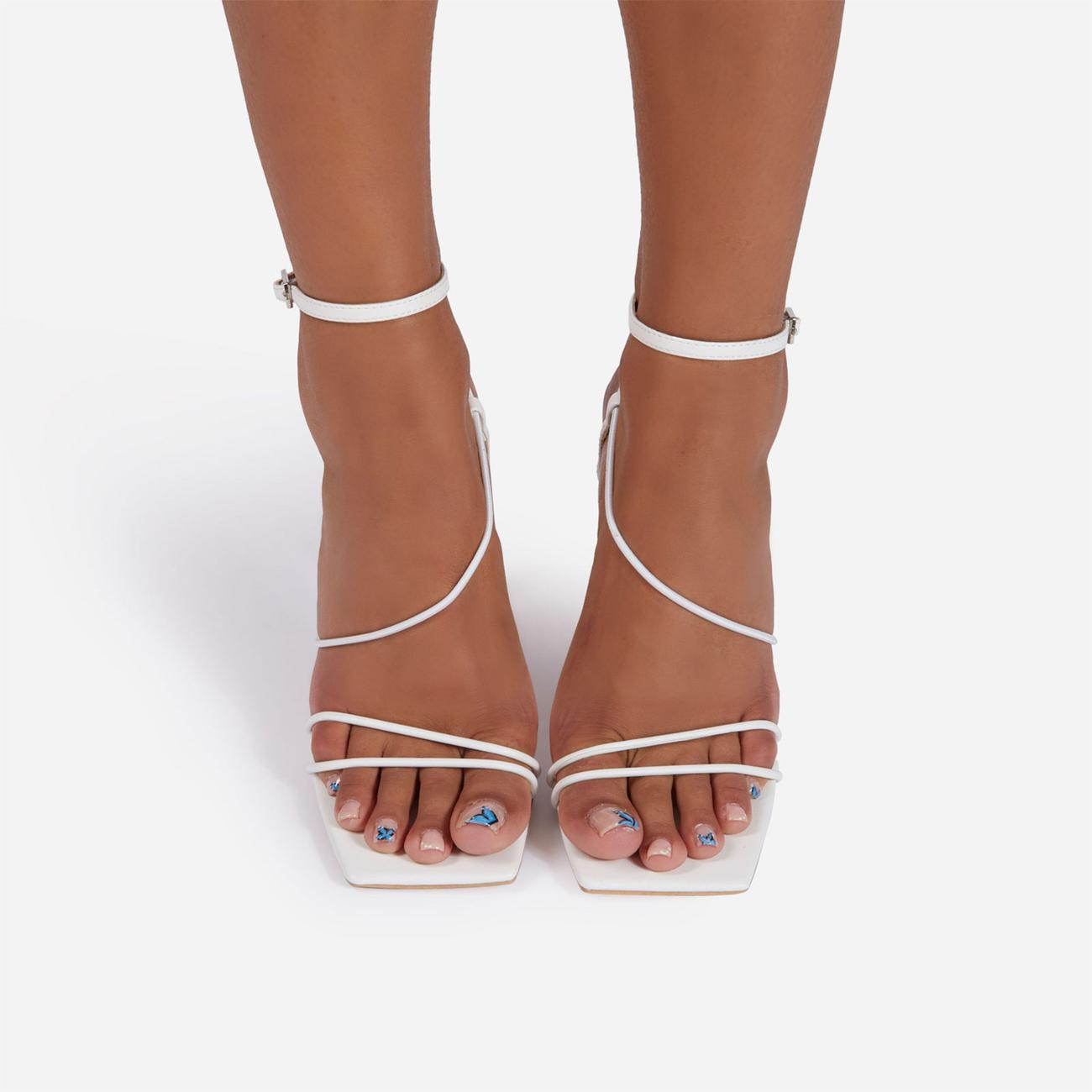 Drama-Queen Barely There Square Toe Clear Perspex Sculptured Heel In White Faux Leather Image 5