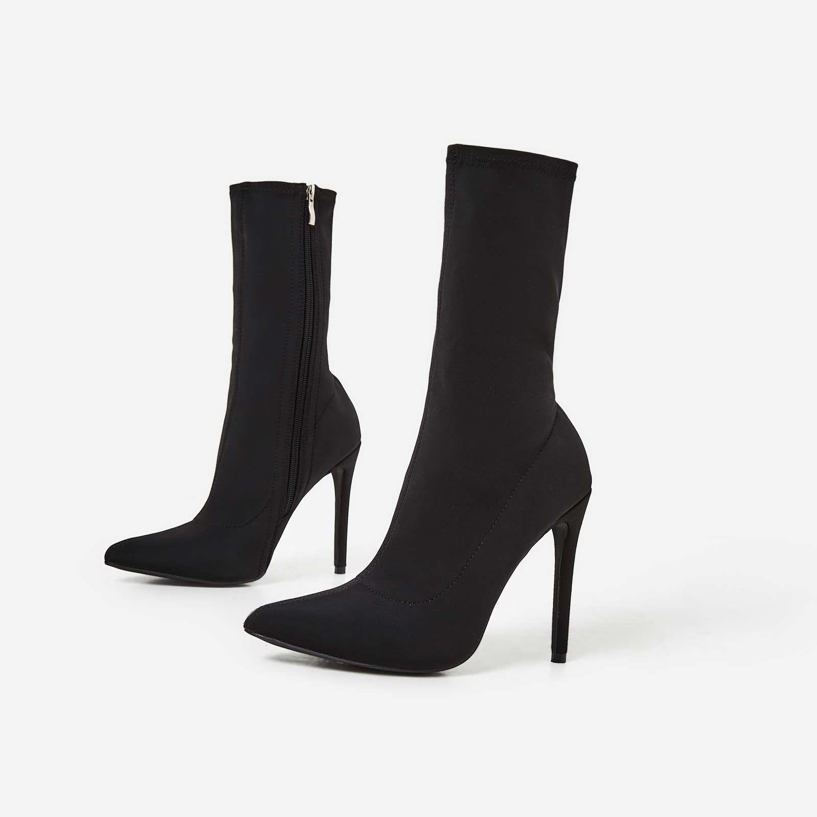 Fiona Pointed Toe Ankle Boot In Black