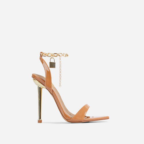 Front-Row Chain Padlock Detail Pointed Toe Metallic Heel In Tan Brown Patent