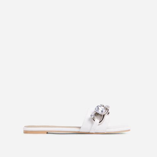 Candy-Shop Diamante Gem Chain Detail Flat Slider Sandal In White Faux Leather