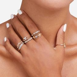 Multi Pack 8 Piece Butterfly Detail Rings In Gold