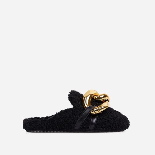 Hip Chunky Chain Detail Closed Toe Slipper In Black Faux Shearling