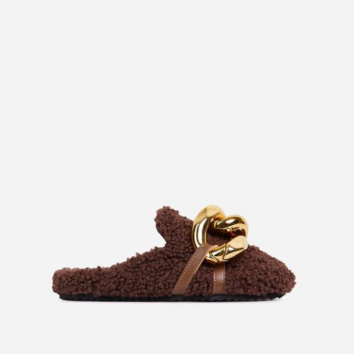 Hip Chunky Chain Detail Closed Toe Slipper In Brown Faux Shearling