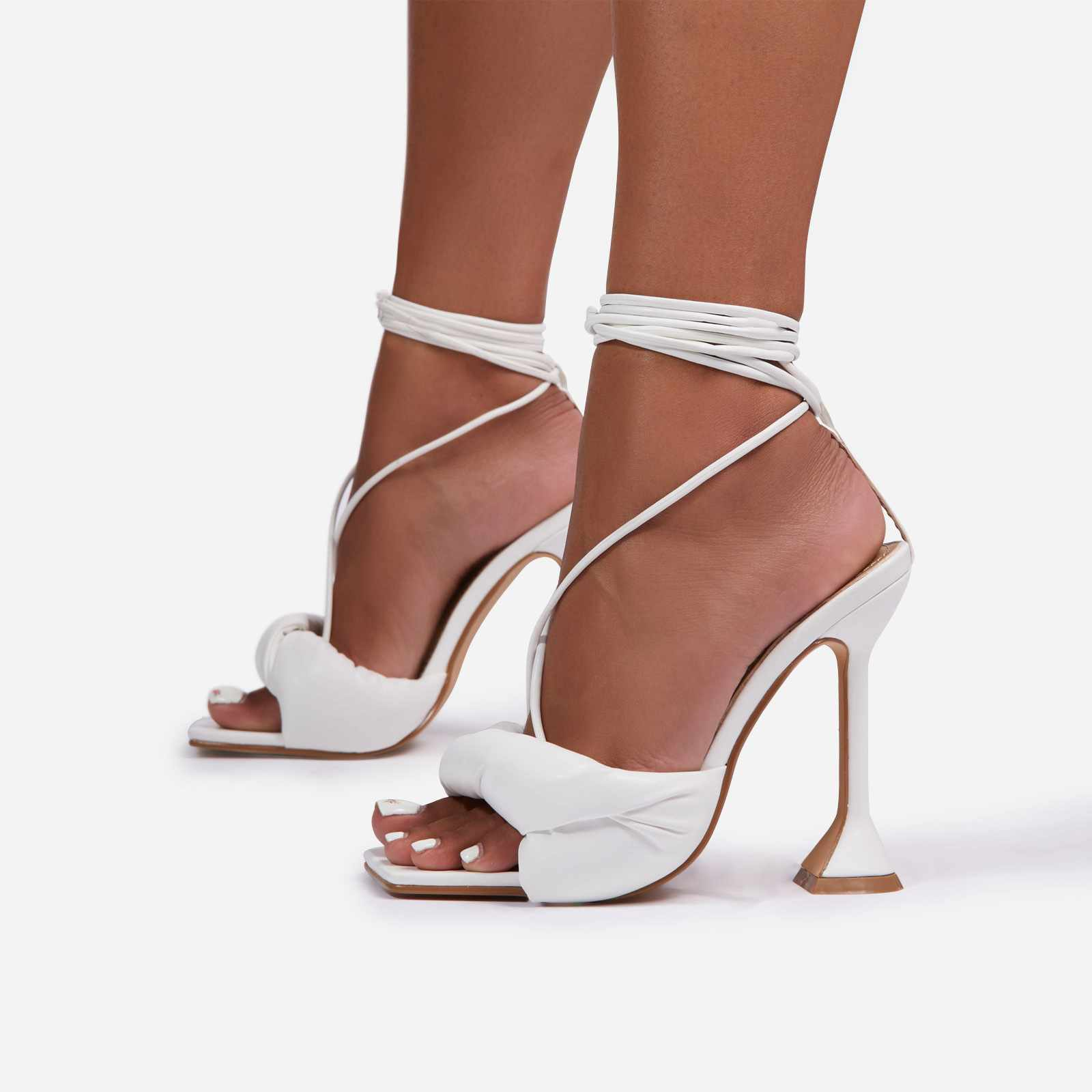 New-Moon Padded Lace Up Square Toe Pyramid Heel In White Faux Leather