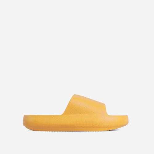 Space Flat Slider Sandal In Yellow Rubber