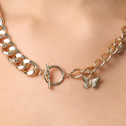 Butterfly Detail Contrast Chain Necklace In Gold