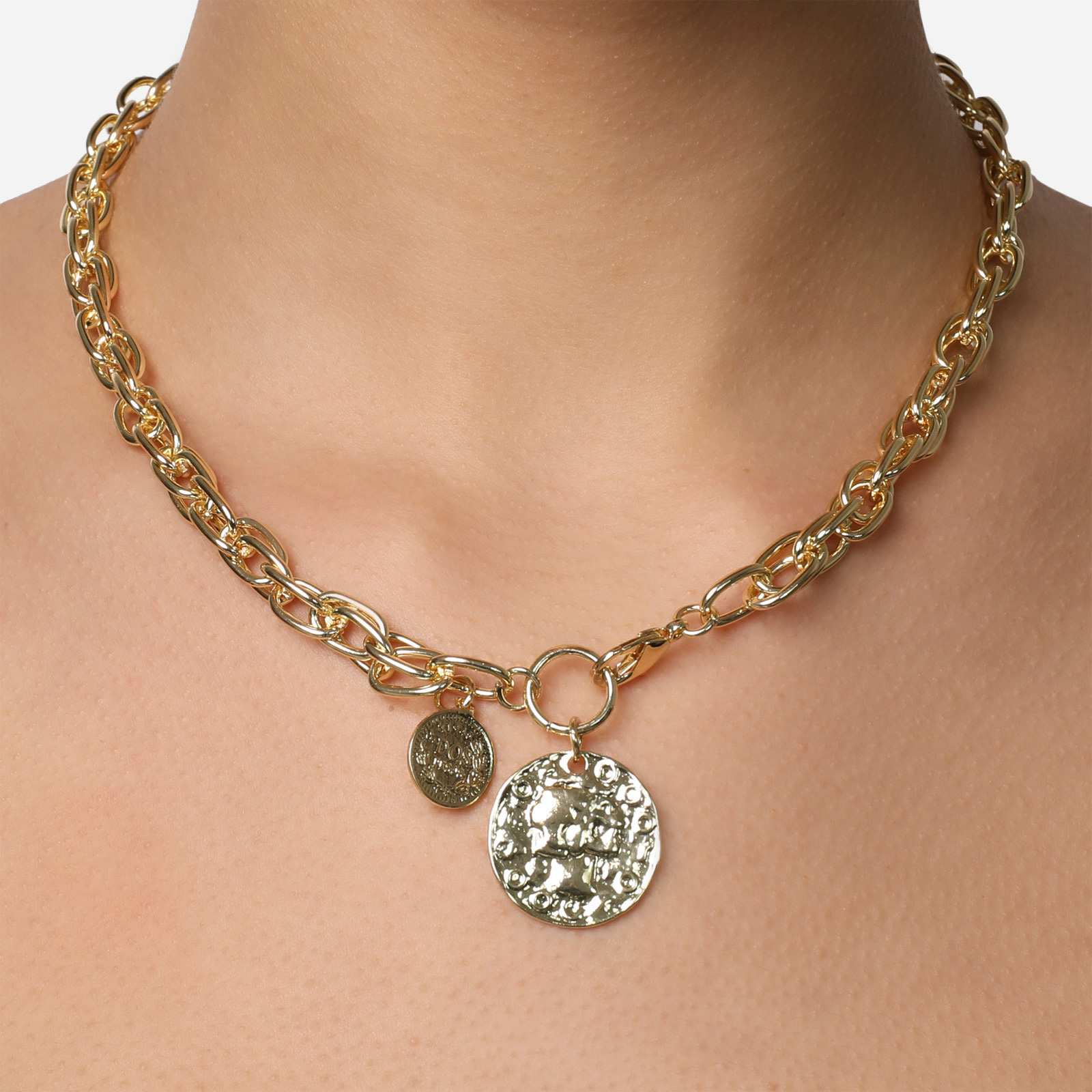 Coin Detail Chain Choker Necklace In Gold