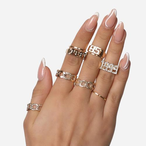 Date And Chain Detail Multi Ring Pack In Gold