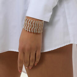 Diamante Detail Cuff Bracelet In Gold
