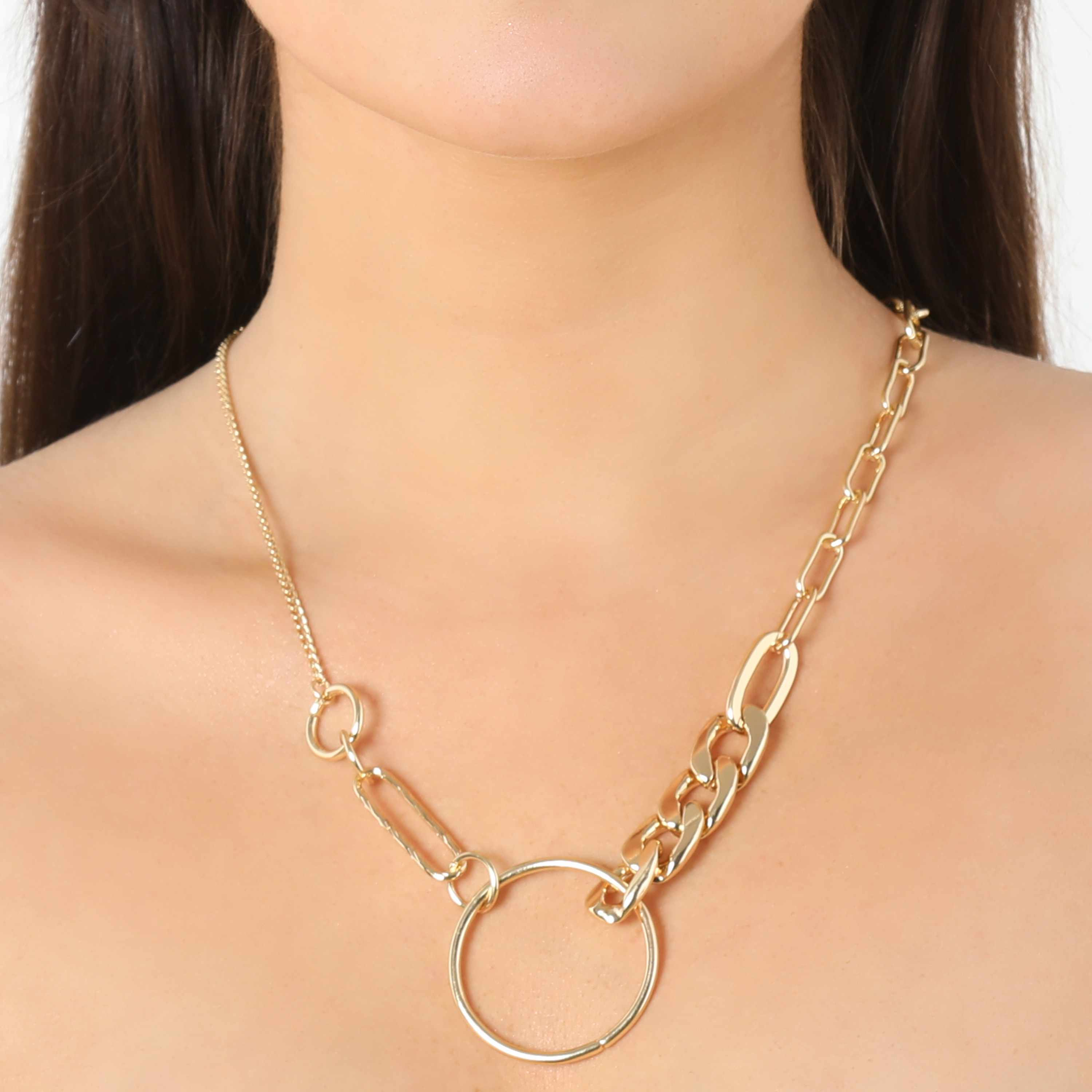 Hoop Detail Contrast Necklace In Gold