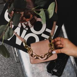 Chunky Chain Detail Cross Body Bag In Pink Croc Print Faux Leather