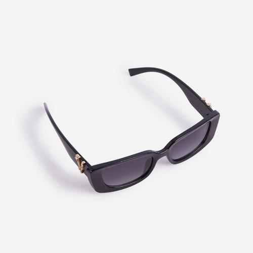 Logo Detail Sunglasses In Black