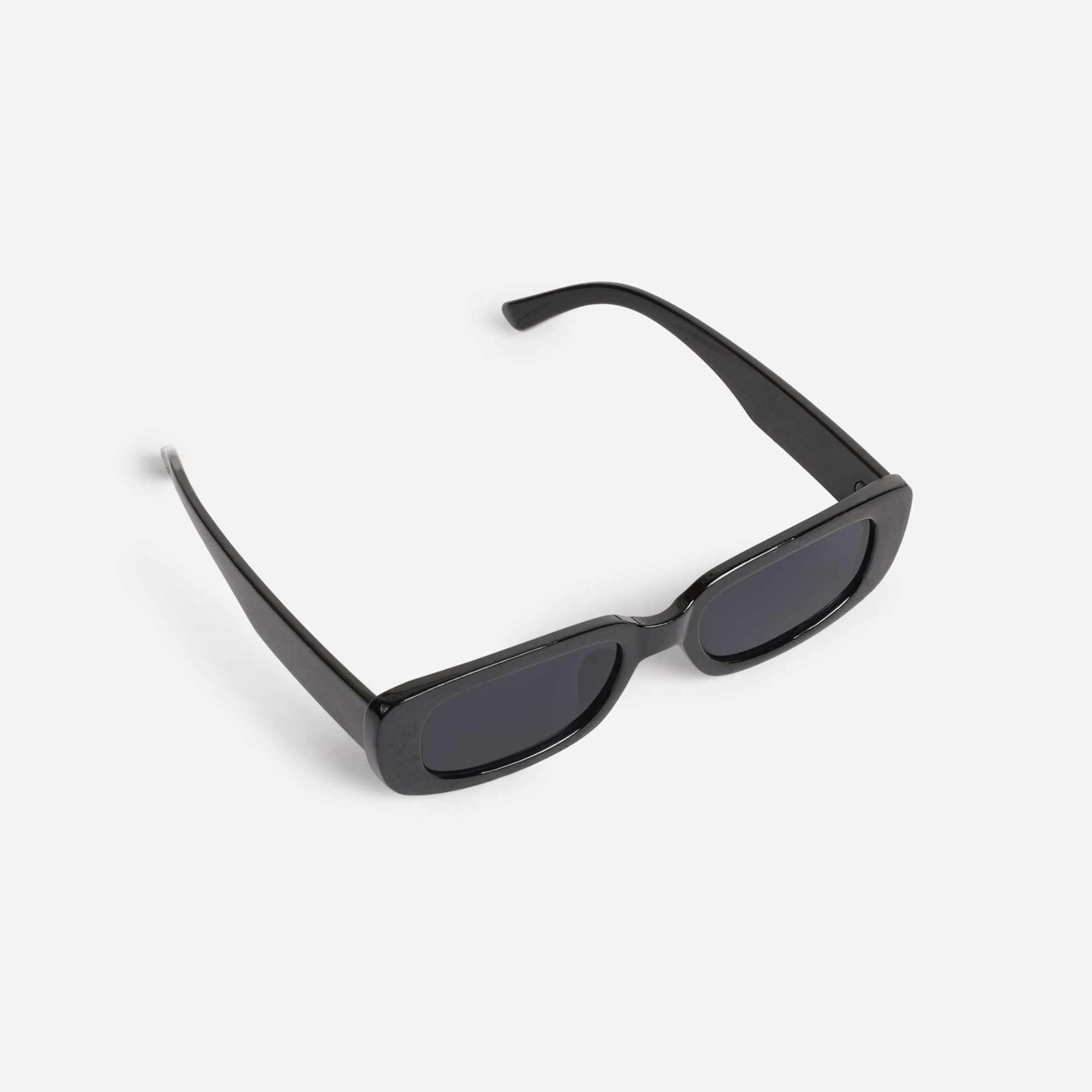 Slim Square Sunglasses In Black