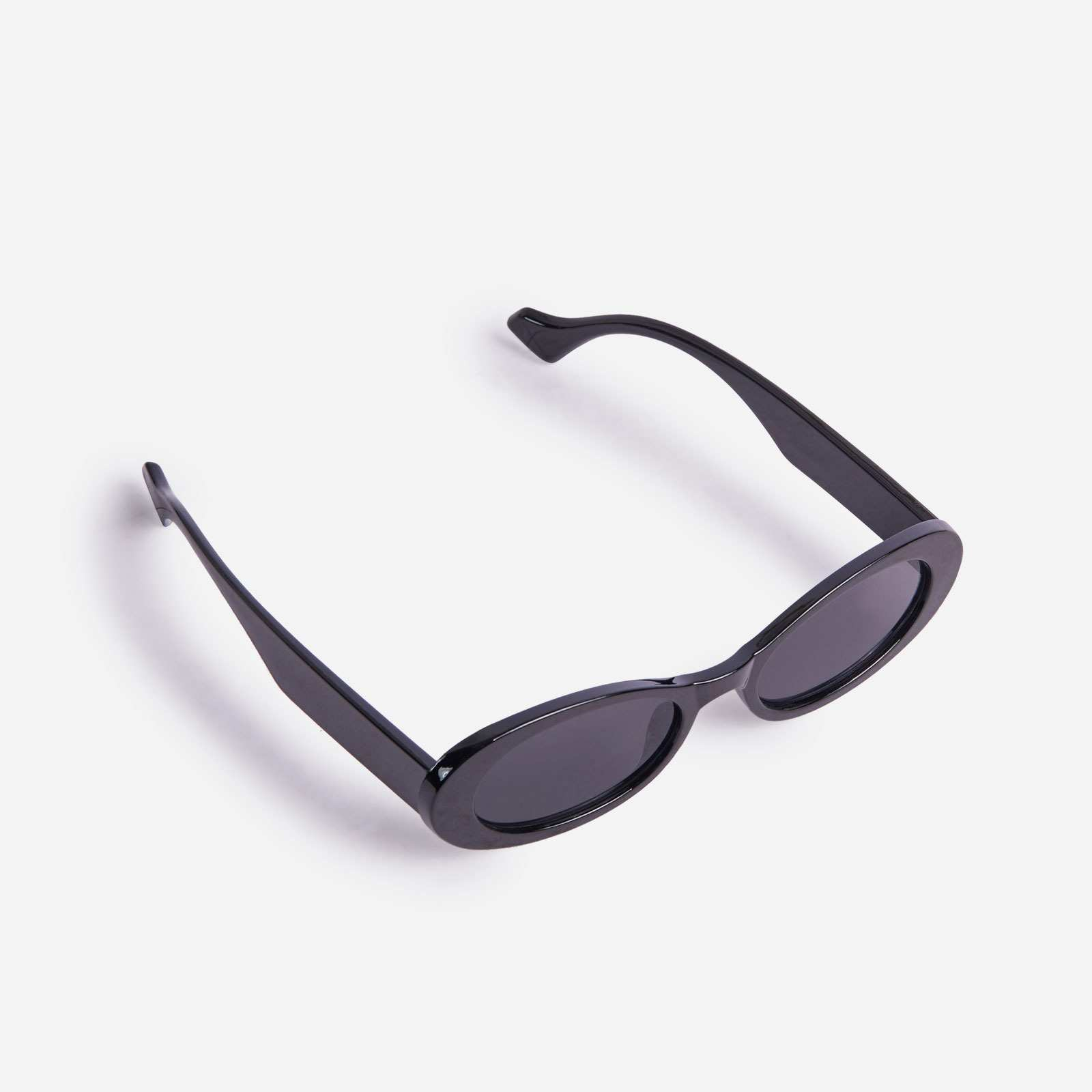 Oval Sunglasses In Black