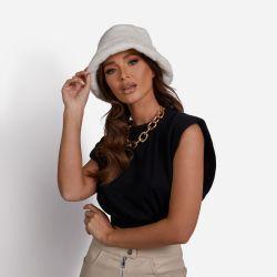 Bucket Hat In White Faux Fur